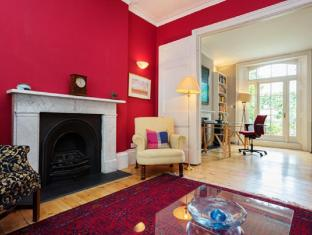 Veeve  4 Bedroom Classic Devonia Road Islington