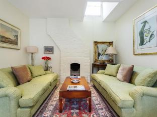 Veeve  Charming 1 Bed In Codrington Mews Notting Hill