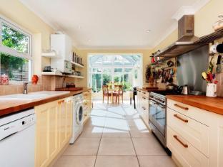 Veeve  2 Bedroom House On Bouverie Road Stoke Newington