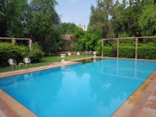 /ca-es/hotel-devi-bhawan/hotel/jodhpur-in.html?asq=jGXBHFvRg5Z51Emf%2fbXG4w%3d%3d