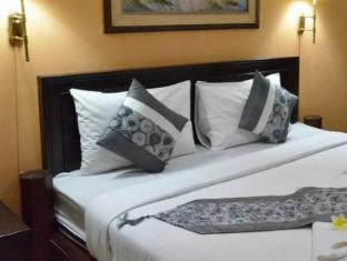 Nawarat Resort and Service Apartment