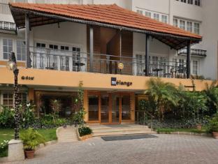 Melange Lavelle Luxury Services Apartments