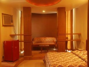 Hotel Bandra Residency