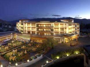 The Grand Dragon Hotel