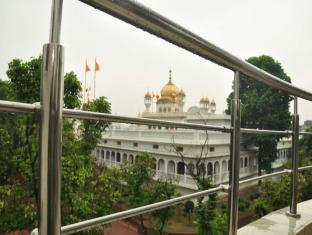 /ca-es/hotel-mercury-inn-by-sonachi/hotel/amritsar-in.html?asq=jGXBHFvRg5Z51Emf%2fbXG4w%3d%3d