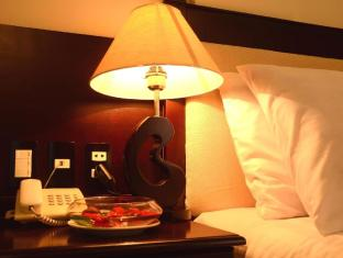 Serene Shining Hotel