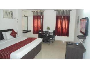 Vista Rooms at Hanuman Statue