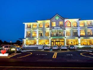 Hotel Whitehouse