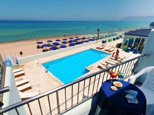/cs-cz/hotel-la-battigia/hotel/castellammare-del-golfo-it.html?asq=jGXBHFvRg5Z51Emf%2fbXG4w%3d%3d