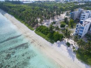 The White Harp Beach Hotel
