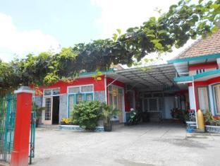Griya Eyang Guest House