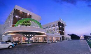 /ca-es/d-max-hotel-convention-lombok/hotel/lombok-id.html?asq=jGXBHFvRg5Z51Emf%2fbXG4w%3d%3d