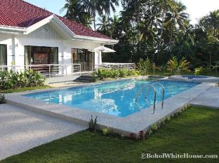 Bohol White House Bed & Breakfast