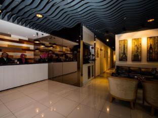 HOTEL 138