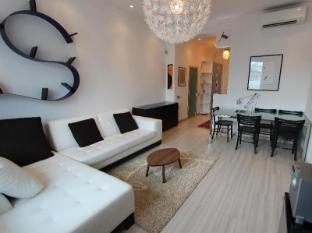 Four Squares Okhotny Ryad Hotel