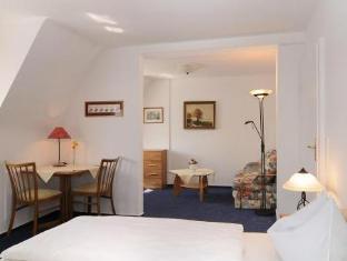 /en-sg/hotel-zum-breiterle/hotel/rothenburg-ob-der-tauber-de.html?asq=jGXBHFvRg5Z51Emf%2fbXG4w%3d%3d