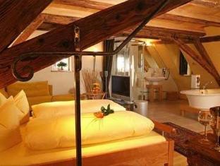 /en-sg/klosterstuble/hotel/rothenburg-ob-der-tauber-de.html?asq=jGXBHFvRg5Z51Emf%2fbXG4w%3d%3d