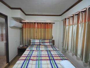 Poonsab Hostel