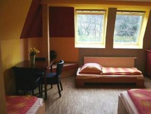 /cs-cz/hostel-alex-30/hotel/stuttgart-de.html?asq=jGXBHFvRg5Z51Emf%2fbXG4w%3d%3d