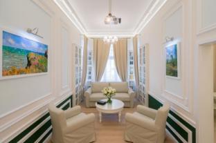 /en-sg/revelton-suites/hotel/karlovy-vary-cz.html?asq=jGXBHFvRg5Z51Emf%2fbXG4w%3d%3d