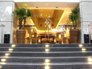 Salak Tower Hotel