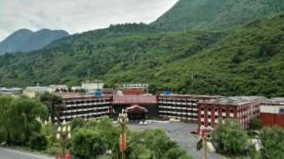 /da-dk/golden-dragon-harbour-hotel/hotel/jiuzhaigou-cn.html?asq=jGXBHFvRg5Z51Emf%2fbXG4w%3d%3d