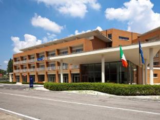 /bg-bg/tulip-inn-naples-airport/hotel/gricignano-di-aversa-it.html?asq=jGXBHFvRg5Z51Emf%2fbXG4w%3d%3d