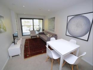 Trendy Two Bedrooms In The City