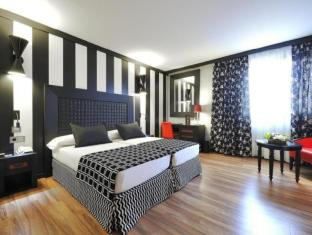 /en-sg/salles-hotel-aeroport-girona/hotel/riudellots-de-la-selva-es.html?asq=jGXBHFvRg5Z51Emf%2fbXG4w%3d%3d