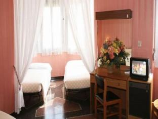 /en-sg/hotel-vittoria/hotel/genoa-it.html?asq=jGXBHFvRg5Z51Emf%2fbXG4w%3d%3d