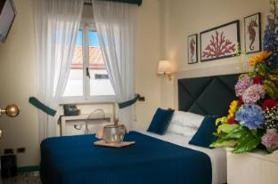 /de-de/hotel-del-mare/hotel/sorrento-it.html?asq=jGXBHFvRg5Z51Emf%2fbXG4w%3d%3d