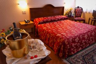 /en-sg/hotel-florida/hotel/venice-it.html?asq=jGXBHFvRg5Z51Emf%2fbXG4w%3d%3d