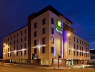 /ca-es/holiday-inn-express-cheltenham-town-centre/hotel/cheltenham-gb.html?asq=jGXBHFvRg5Z51Emf%2fbXG4w%3d%3d
