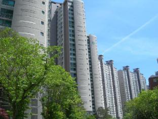 Ricenz Condominium Tower