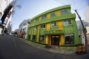 /ar-ae/mokpo-norway-guesthouse/hotel/mokpo-si-kr.html?asq=jGXBHFvRg5Z51Emf%2fbXG4w%3d%3d