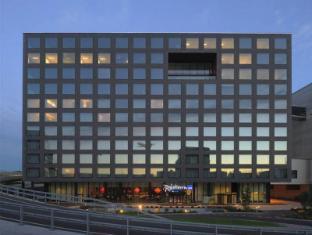 /en-sg/radisson-blu-hotel-zurich-airport/hotel/zurich-ch.html?asq=jGXBHFvRg5Z51Emf%2fbXG4w%3d%3d