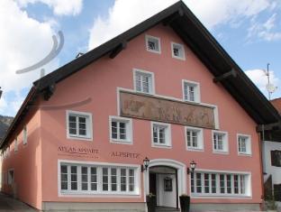/en-sg/atlas-posthotel/hotel/garmisch-partenkirchen-de.html?asq=jGXBHFvRg5Z51Emf%2fbXG4w%3d%3d