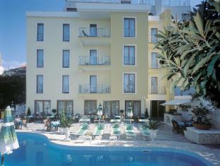 /ca-es/hotel-albatros/hotel/piano-di-sorrento-it.html?asq=jGXBHFvRg5Z51Emf%2fbXG4w%3d%3d