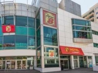 /it-it/super-8-downtown-toronto/hotel/toronto-on-ca.html?asq=jGXBHFvRg5Z51Emf%2fbXG4w%3d%3d