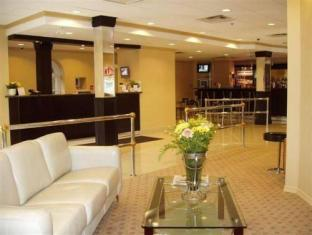 /id-id/isabella-hotel-suites/hotel/toronto-on-ca.html?asq=jGXBHFvRg5Z51Emf%2fbXG4w%3d%3d