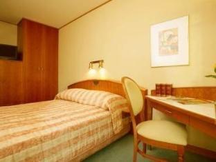 /ca-es/radisson-blu-sobieski/hotel/warsaw-pl.html?asq=jGXBHFvRg5Z51Emf%2fbXG4w%3d%3d