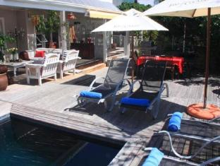 /de-de/sea-breeze-beach-house/hotel/plettenberg-bay-za.html?asq=jGXBHFvRg5Z51Emf%2fbXG4w%3d%3d