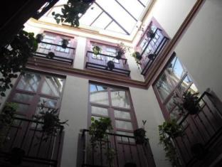 /bg-bg/hostal-callejon-del-agua/hotel/seville-es.html?asq=jGXBHFvRg5Z51Emf%2fbXG4w%3d%3d