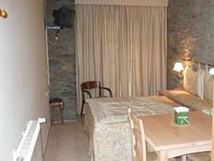 /ca-es/aparthotel-les-corts/hotel/llivia-es.html?asq=jGXBHFvRg5Z51Emf%2fbXG4w%3d%3d