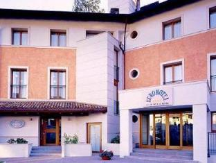 /da-dk/eurohotel-palace-maniago/hotel/maniago-it.html?asq=jGXBHFvRg5Z51Emf%2fbXG4w%3d%3d
