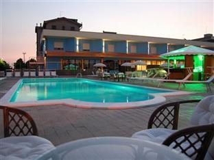 /de-de/piccolo-hotel-nogara/hotel/nogara-it.html?asq=jGXBHFvRg5Z51Emf%2fbXG4w%3d%3d