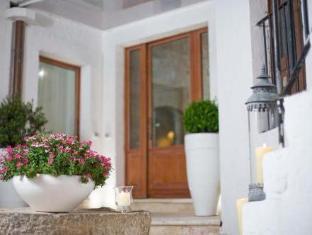 /de-de/le-alcove-luxury-hotel-nei-trulli/hotel/alberobello-it.html?asq=jGXBHFvRg5Z51Emf%2fbXG4w%3d%3d