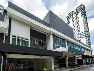 OYO Rooms LRT Awan Besar Station