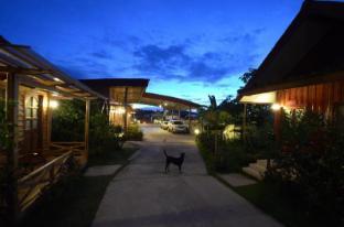 /ar-ae/fairfair-boutique-resort/hotel/chiangkhan-th.html?asq=jGXBHFvRg5Z51Emf%2fbXG4w%3d%3d