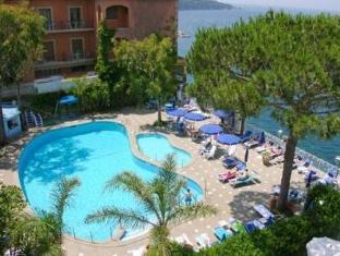 /de-de/grand-hotel-riviera/hotel/sorrento-it.html?asq=jGXBHFvRg5Z51Emf%2fbXG4w%3d%3d